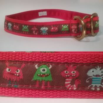 "Single Loop Collar 25mm - Monsters -Red lining - Overhead - No Clasp 18"" Max (#0010016)"